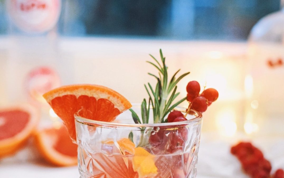 FESTIVE CHRISTMAS MOCKTAIL | HAPPY HOLIDAYS!