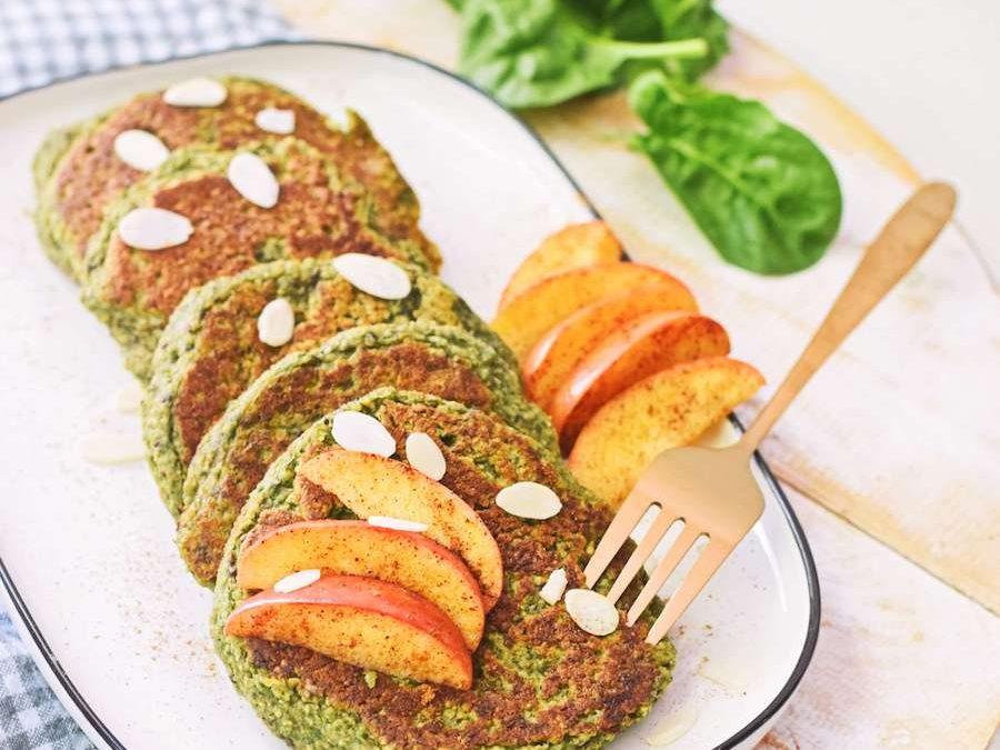 Spinazie pannenkoeken met gebakken appel