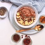 Chocolade smoothie bowl | Gezond ontbijt recept