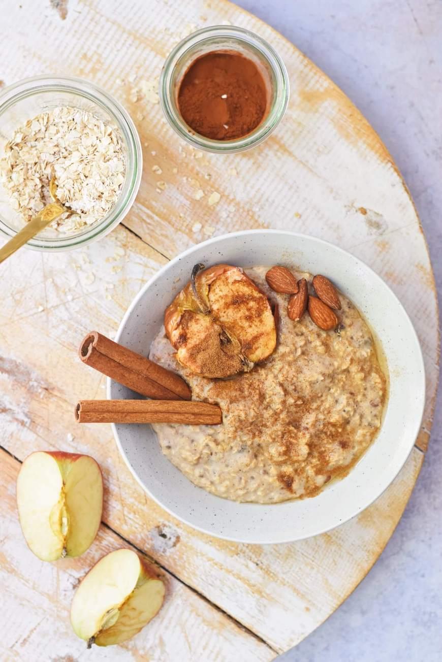 Appeltaart havermout ontbijt | Plantaardig en gezond ontbijt