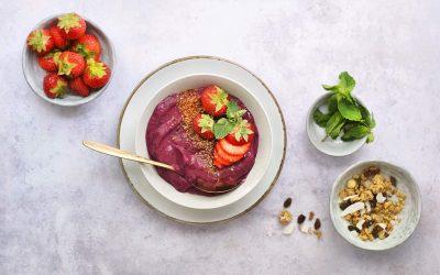 Zo maak je de lekkerste acai bowl   Acai recept met 6 ingrediënten