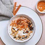 Lekkerste smoothie bowl recept met pindakaas en granola