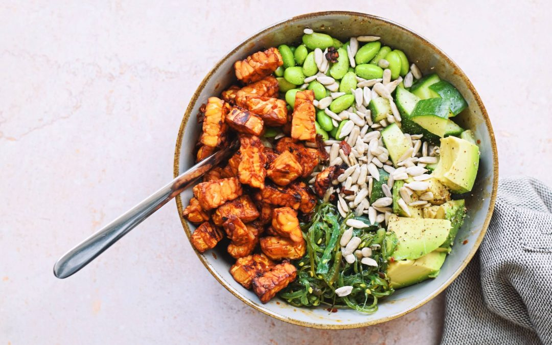 Vegetarisch recept: parelcouscous met gemarineerde tempeh