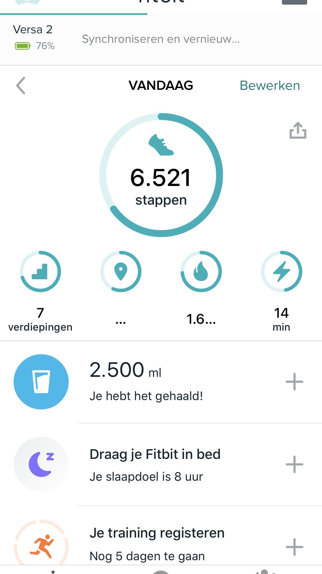 Handige gadgets om beter voor jezelf te zorgen | Fitbit Versa 2 review